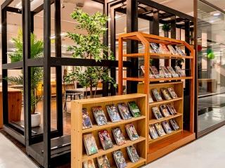 マンガ・雑誌~常時4万冊以上 毎月新刊入荷中
